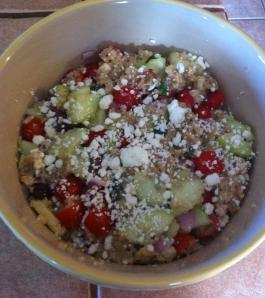 Healthy Greek Quinoa Salad...mmmmmm